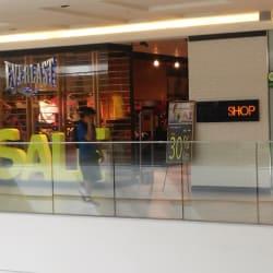 Everlast - Mall Plaza Egaña en Santiago