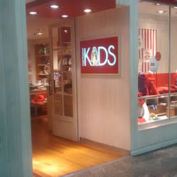 Hush Puppies Kids - Mall Alto Las Condes en Santiago
