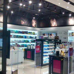 Sally Beauty - Mall Alto Las Condes en Santiago