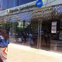 Farmacias Salcobrand - Apoquindo / Enrique Foster en Santiago