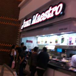 Juan Maestro - Mall Plaza Vespucio  en Santiago