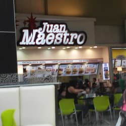 Juan Maestro - Mall Plaza Tobalaba  en Santiago