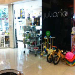 Juliana - Mall Alto Las Condes en Santiago