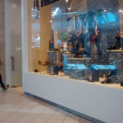 Hush Puppies - Mall Plaza Norte en Santiago