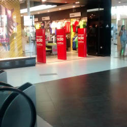 Adidas - Mall Plaza Norte  en Santiago