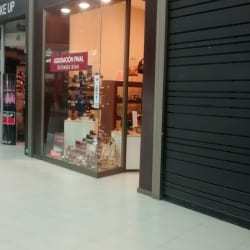 Naturalizer - Mall Plaza Norte en Santiago