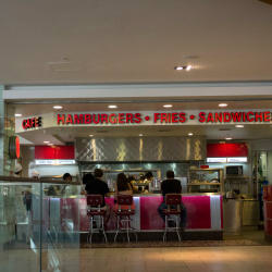 Johnny Rockets - Mall Plaza Egaña en Santiago