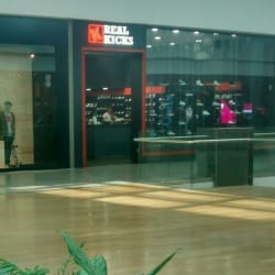 Real Kicks - Mall Plaza Norte en Santiago