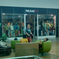 Polemic - Mall Plaza Norte en Santiago