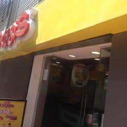cadena de locales de comida rápida Doggis en Santiago