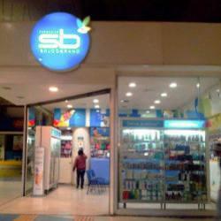 Farmacias Salcobrand - Mall Paseo Arauco Estación en Santiago