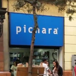 Casa Pichara - San Antonio / Galería España en Santiago