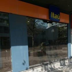 Banco Itau - Nueva Providencia / Gral. del Canto en Santiago