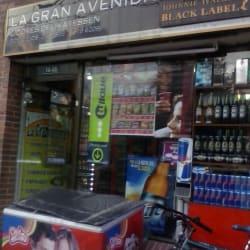 Cigarreria la Gran Avenida en Bogotá