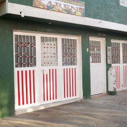 "Fruty Jugos & Restaurantes ""Karen"" en Bogotá"
