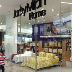 Jacky Milan  en Bogotá