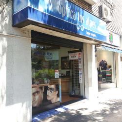 Óptica Los Alpes - Providencia / Andrés de Fuenzalida en Santiago