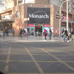 Outlet Monarch Matta en Santiago