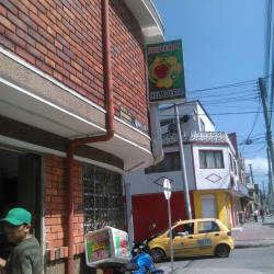 Futeria y Heladeria Tatti del Bosque 2 en Bogotá