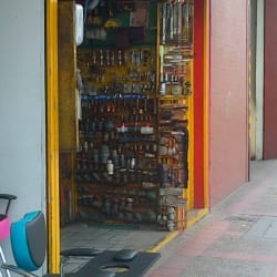 HR Herramientas y Tornillos en Bogotá