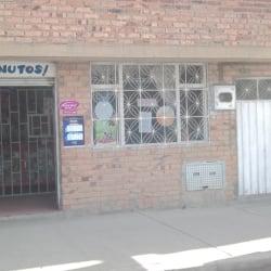 Papeleria Carrera 82 con 70A en Bogotá