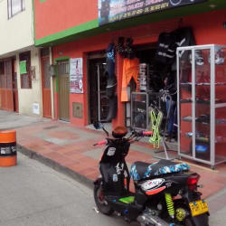 Moto Accesorios Ludsa en Bogotá