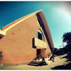 Parroquia Madre de los Apóstoles en Santiago