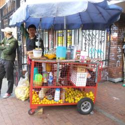 Puesto Jugo de Naranja William Leal en Bogotá