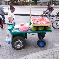 Puesto Ambulante de Patilla Ferney Blanco en Bogotá