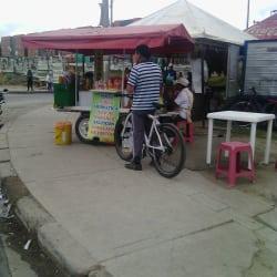 Punto Ambulante de Ensaladas de Frutas, Jugo de Naranja, Salpicon en Bogotá