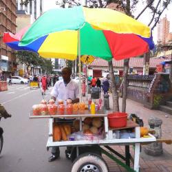 Puesto Ambulante de Salpicon Cristhian Balanta en Bogotá