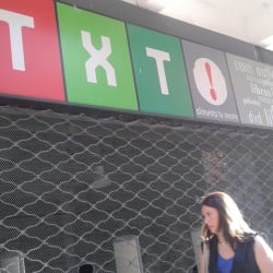 Tienda de libros TXT! en Santiago