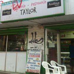 Panadería y Pastelería Taylor en Santiago