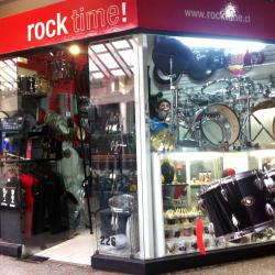 Instrumentos Musicales Rock Time - Crowne Plaza en Santiago