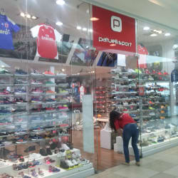 Patuelli Sport - Mall Plaza Alameda en Santiago