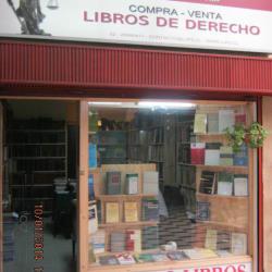 Librería Patricio Salinas en Santiago