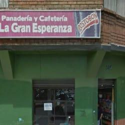 Panadería y Cafetería La Gran Esperanza en Bogotá