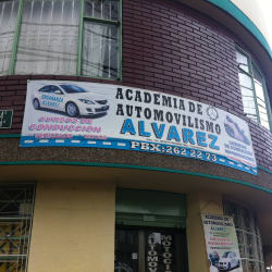 Academia Automovilismo Alvarez en Bogotá
