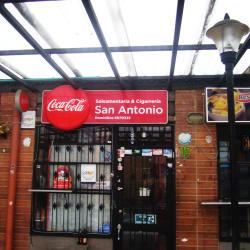 Salsamentaria y Cigarrería San Antonio en Bogotá