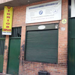 Autocaracas Vidrios y Accesorios E.U. en Bogotá