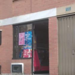 Tienda De Barrio Calle 85B con 77G en Bogotá