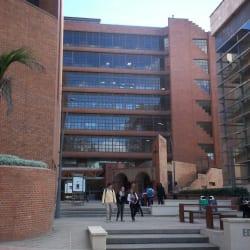 Edificio Gabriel Giraldo Giraldo S.J. en Bogotá