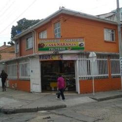 Panadería Cafetería Casa Naranja en Bogotá