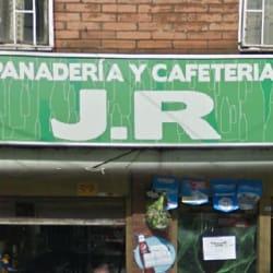Panadería y Cafetería JR en Bogotá