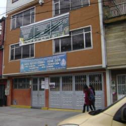 Gimnasio Nuestra Señora de la Esperanza School Pilisimo en Bogotá