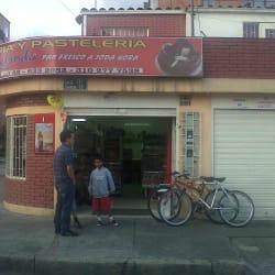 Panadería y Pastelería Santa Helenita en Bogotá