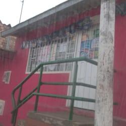 Tienda De Barrio Carrera 8 Este con 108 en Bogotá