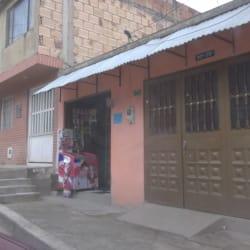 Tienda De Barrio Carrera 7 Este con 90A en Bogotá