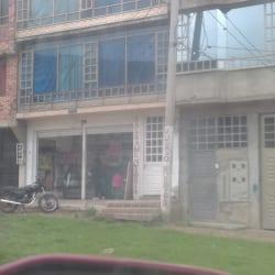 Salsamentaria Carrera 7 Este en Bogotá