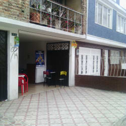 Tienda Calle 69A con 78A en Bogotá